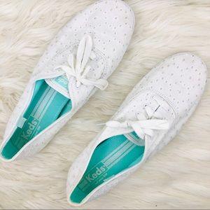 Women's white Keds cotton eyelet shoes size 11 💕